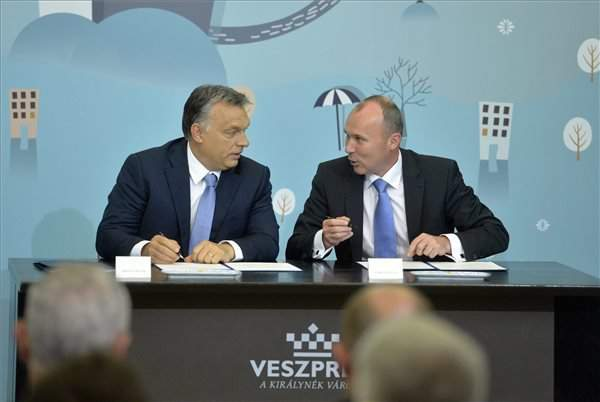 Orbán signs Modern Cities cooperation with Veszprém