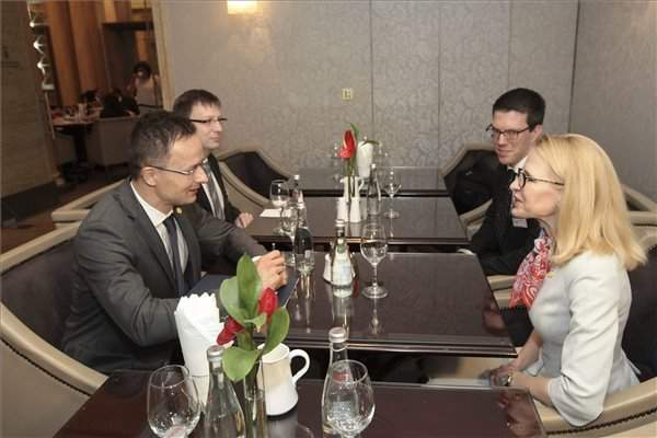 Foreign minister holds talks with counterparts from Liechtenstein, Monaco