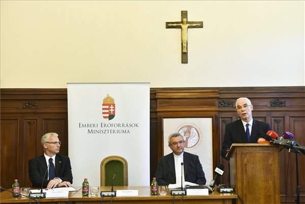 Hungary, Catholics to support education of refugee children in Middle East