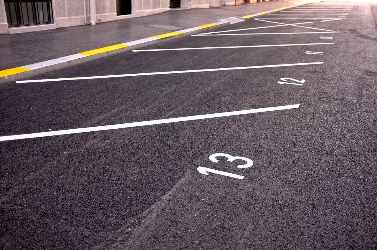 parking-705873_1280