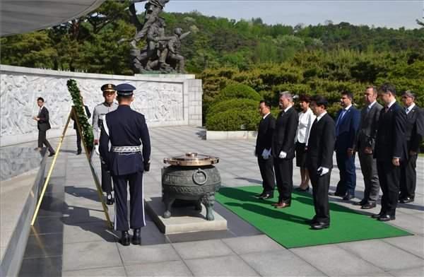 s korea-hungary-4