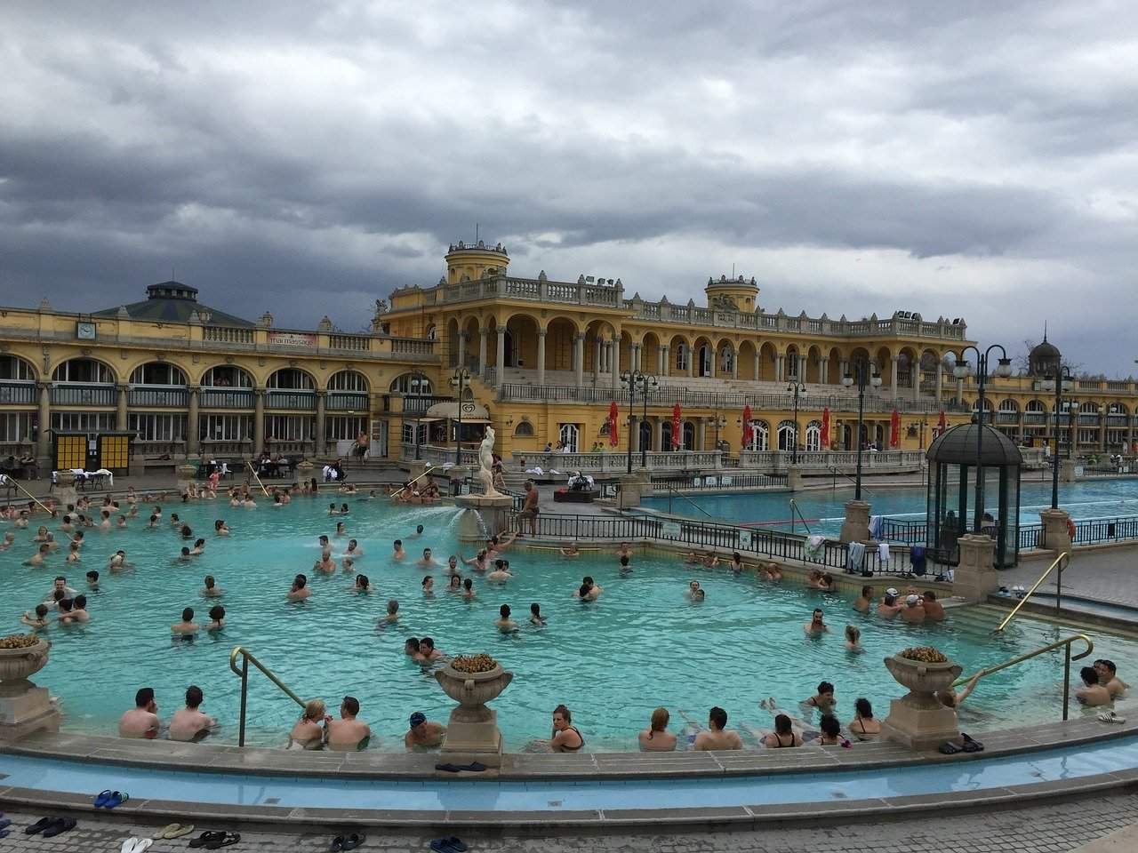Hungary forbids bathing in burkinis – two women were kicked out from the Széchenyi bath