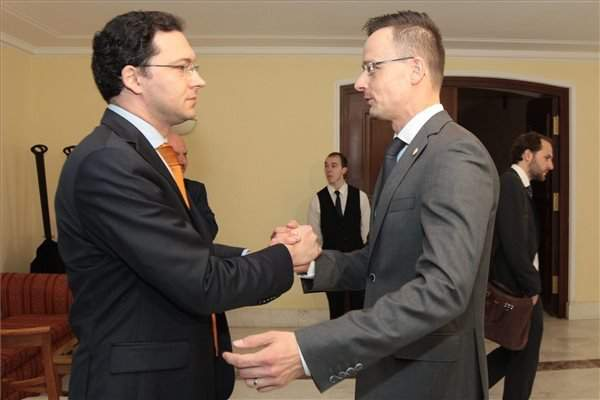 Hungarian foreign minister discusses 'Schengen 2.0' with Bulgarian counterpart