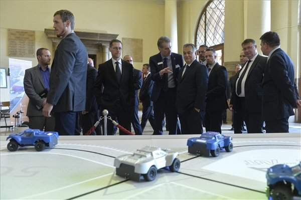 """Cars of the Future"" conference – Hungary plans to build a test track for driverless cars"