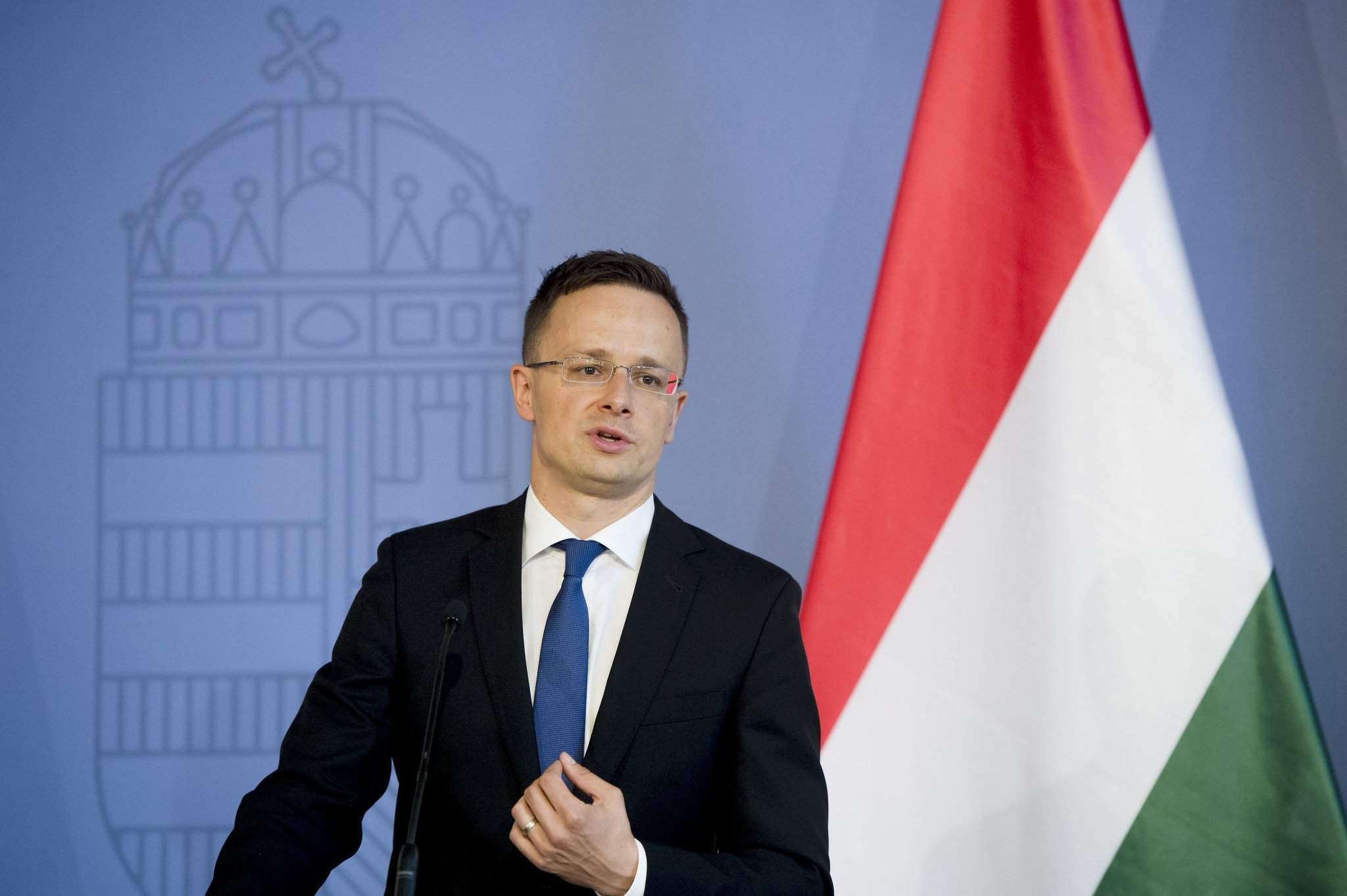 Hungarian foreign minister calls for end to Europe's migration policy