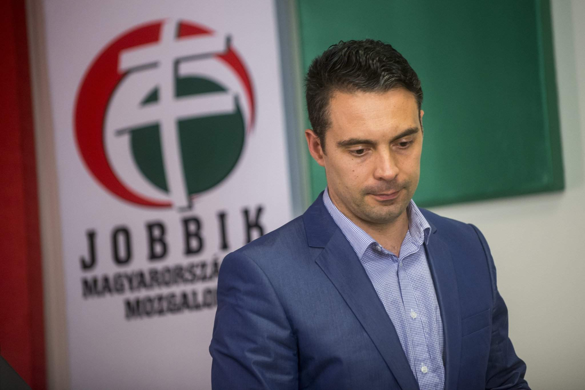 Vona seeks meeting with Orbán to discuss constitutional amendment vote