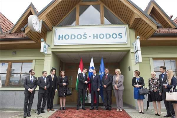 Hungarian foreign minister, Slovenia PM inaugurate upgraded Pragersko-Hodos railway line