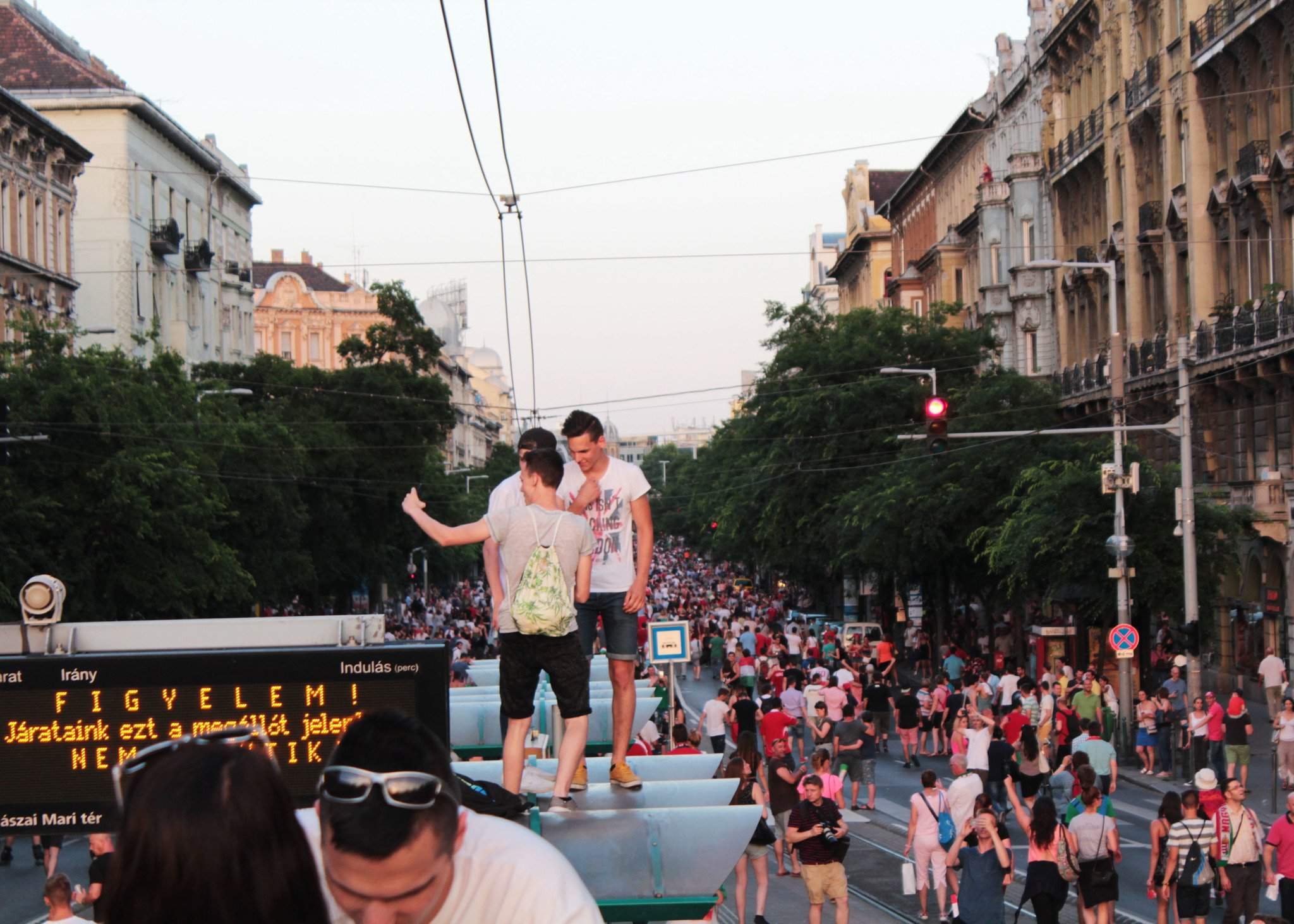 Thousands hail National Team's football players in Hungary – Photos