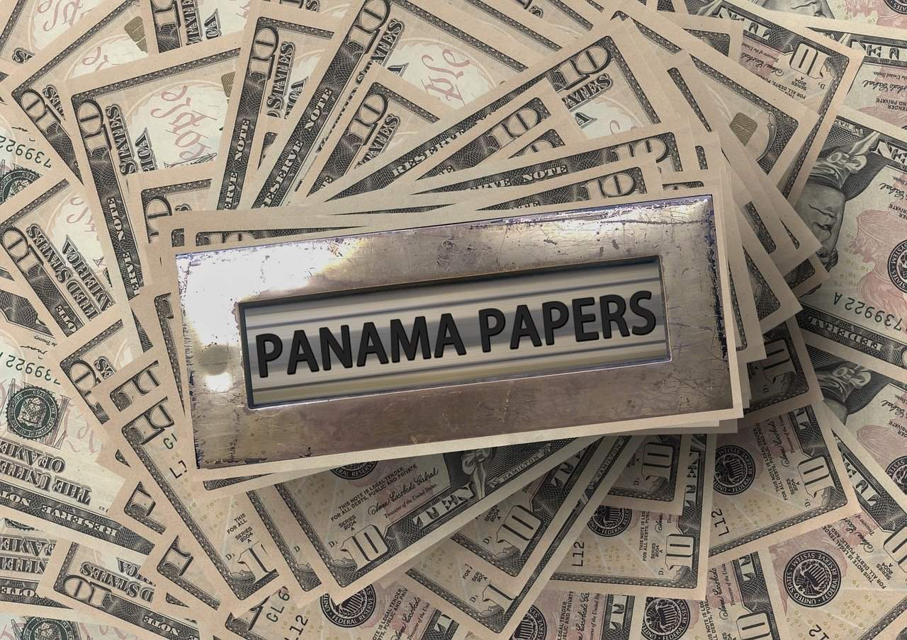 Authorities probe almost 900 companies with ties to Hungary revealed in Panama Papers