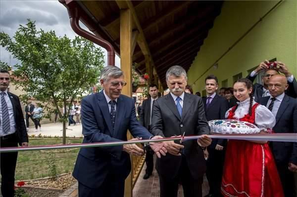Hungary's house speaker inaugurates Hungarian House in Croatia