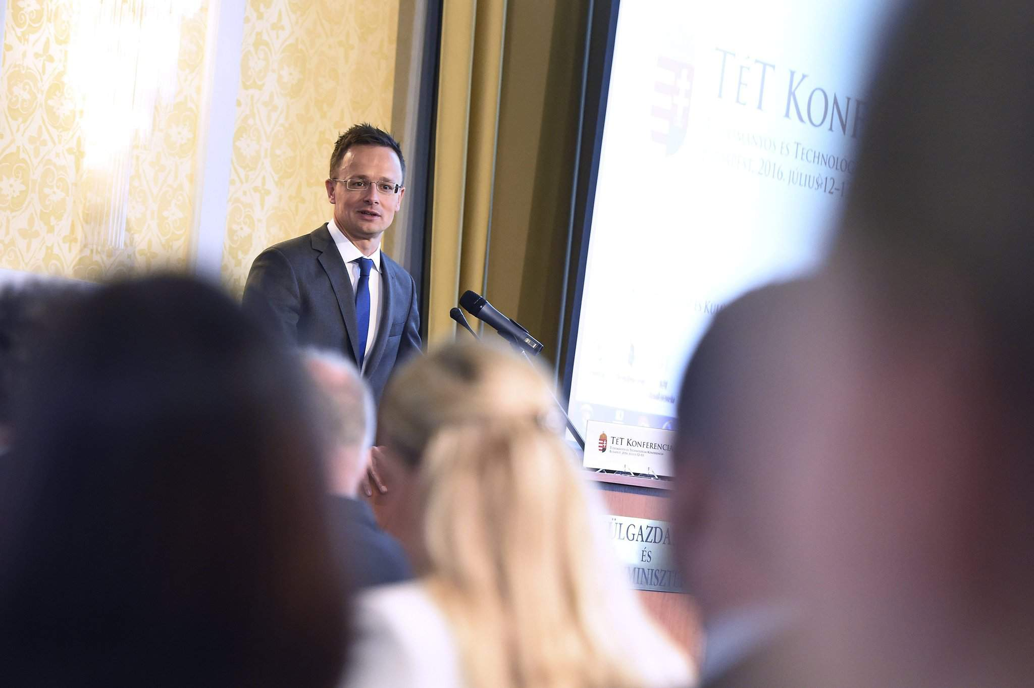 Szijjártó opens science-technology conference at foreign ministry
