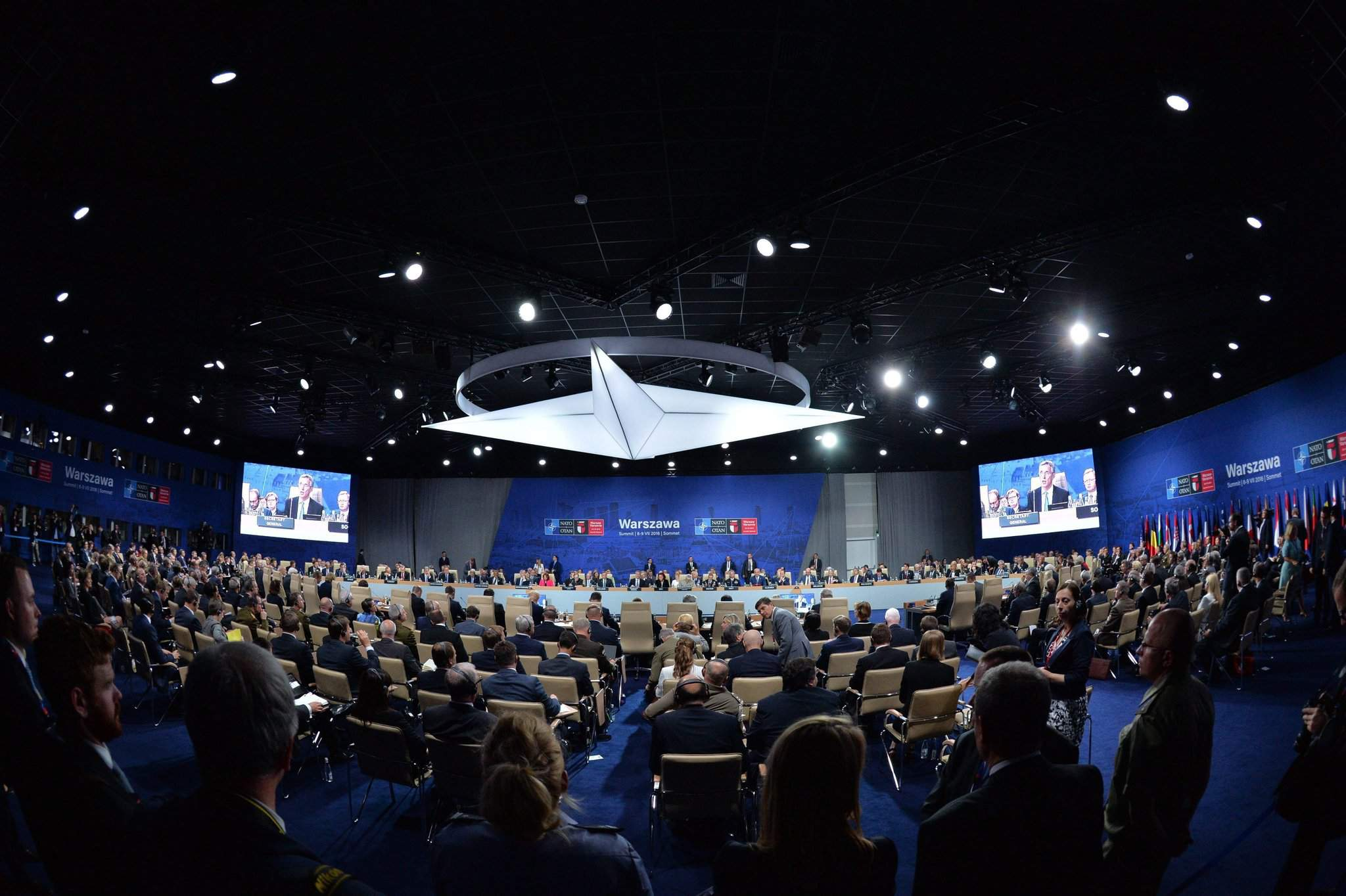 NATO summit – Hungary's defence minister: NATO strengthens unity against threats from south