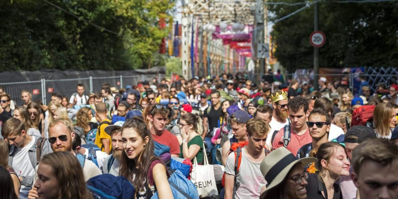 Sziget briefly suspends entry over abandoned bag on first festival day