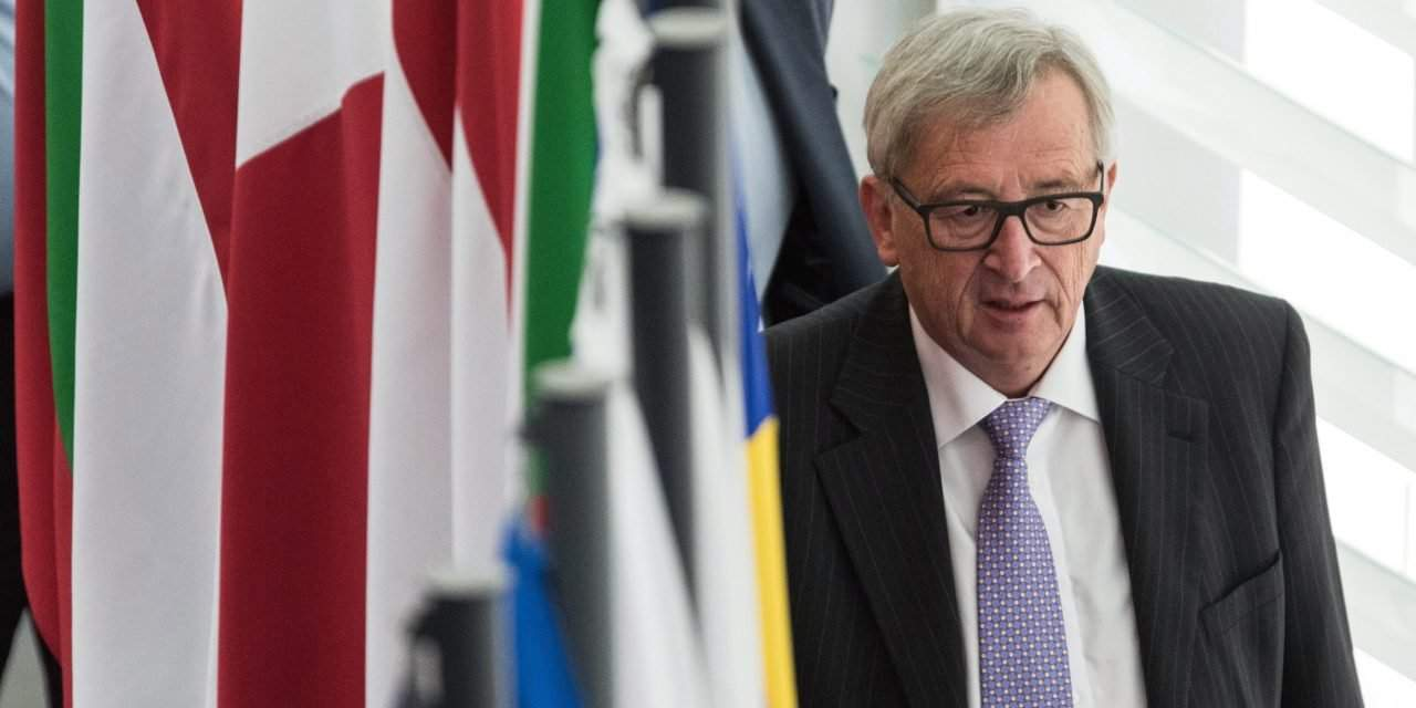 Hungary's foreign minister: Juncker wants to protect democracy from the people