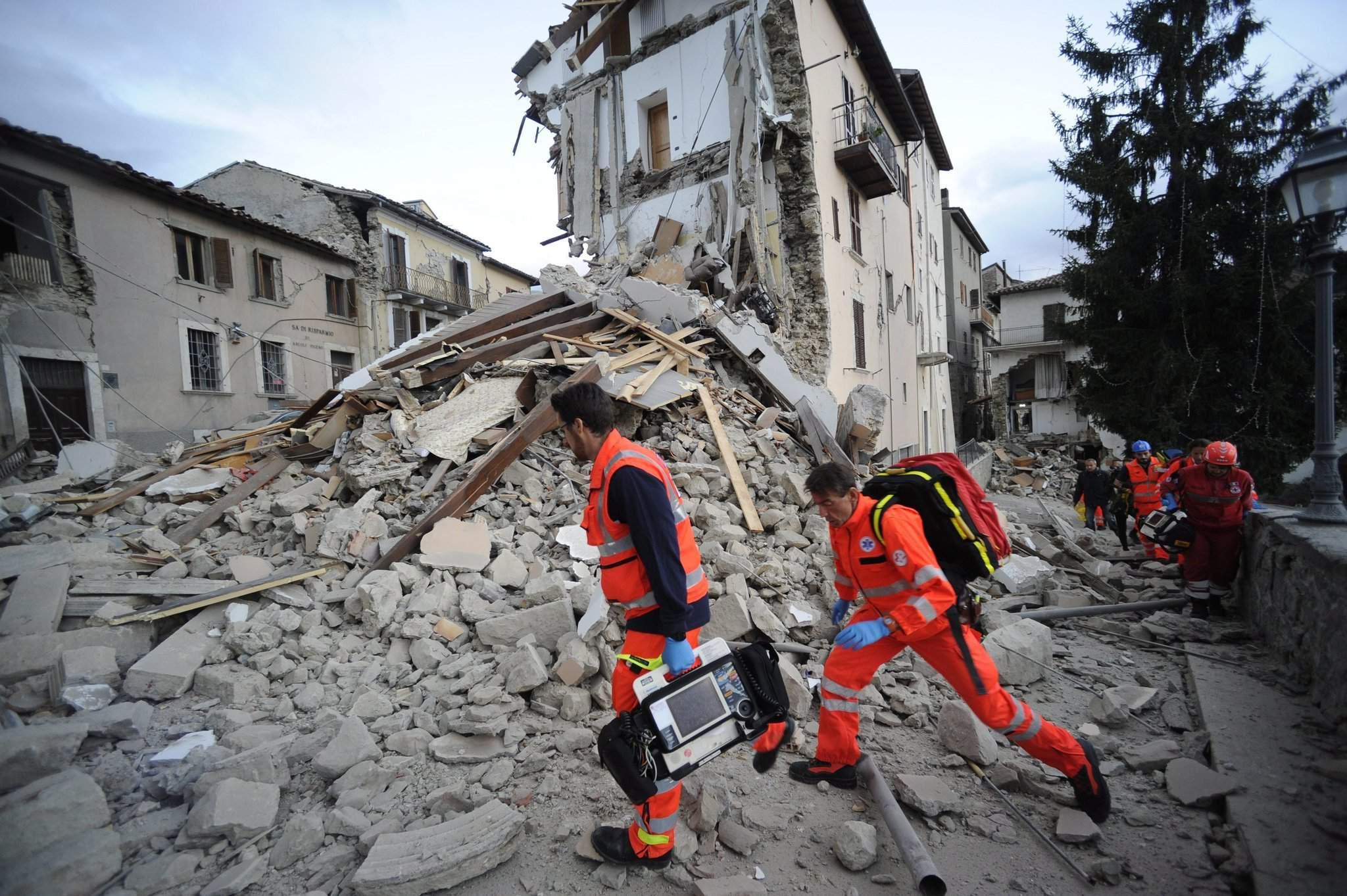 landslide earthquake in italy august - 966×642