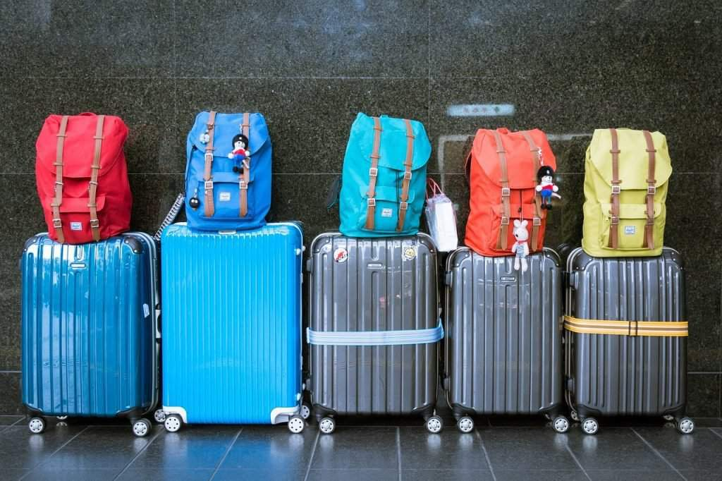 travel-tourism-luggage-moving