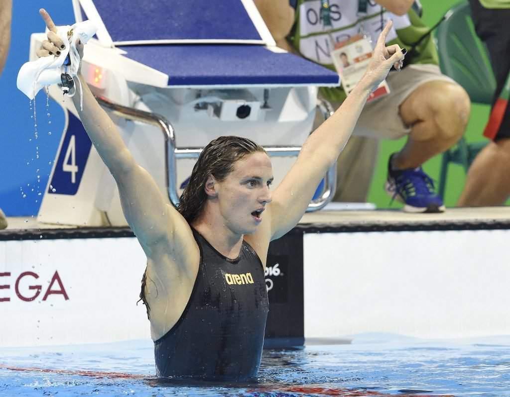 Rio de Janeiro, 2016. augusztus 7. Hosszú Katinka örül, miután világcsúccsal gyõzött a 2016-os riói nyári olimpia 400 méteres vegyesúszás versenyszámának döntõjében a Rio de Janeiró-i Olimpiai Uszodában 2016. augusztus 6-án. MTI Fotó: Kovács Tamás
