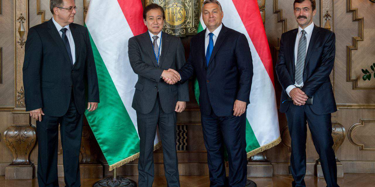 Prime Minister Viktor Orbán holds talks with the CEO of Magyar Suzuki