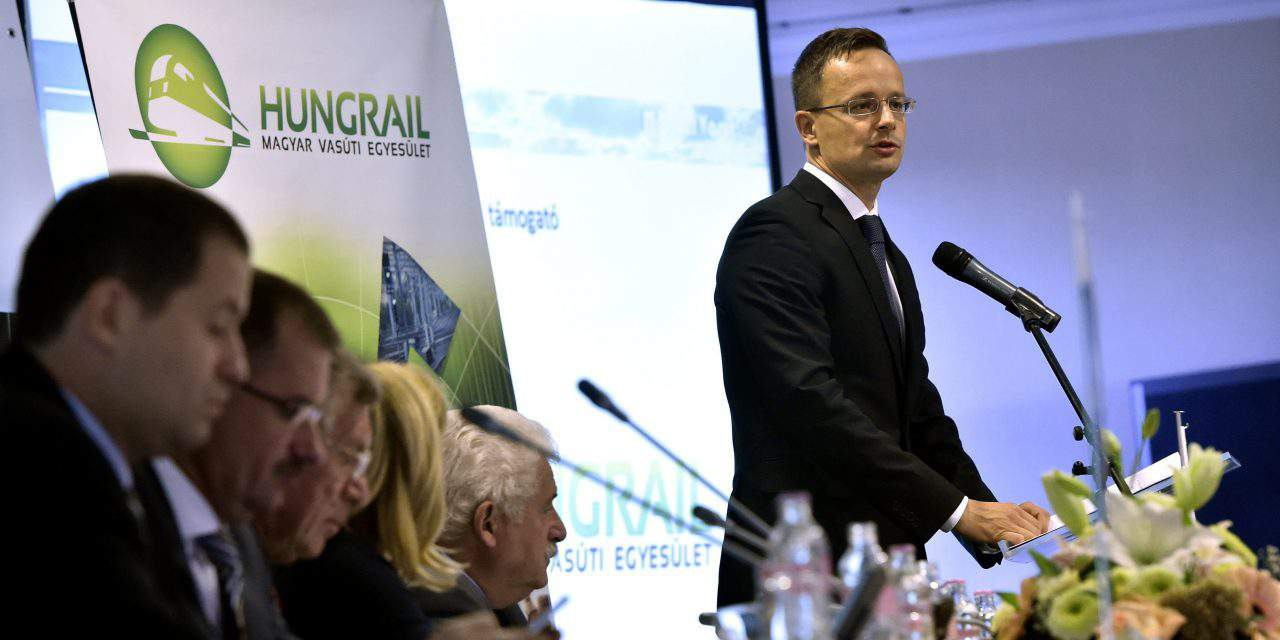 Foreign minister: Railway development crucial for Hungary's competitiveness