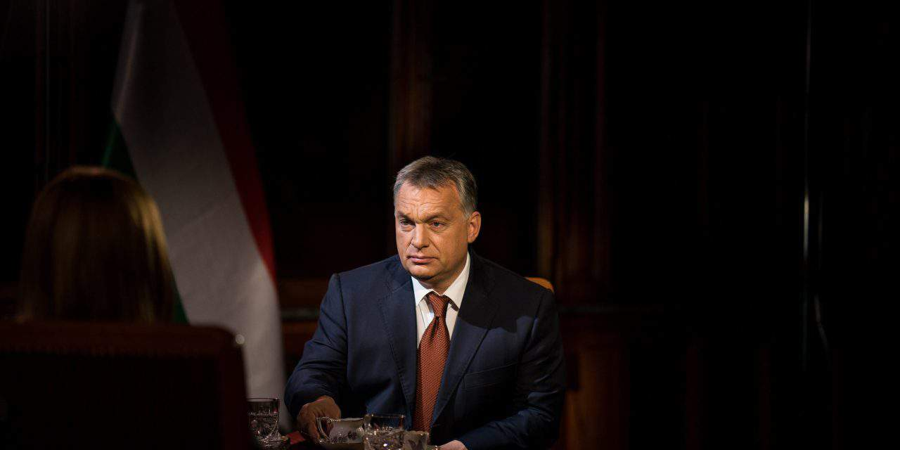 Orbán: Hungary will change if government 'gives in to Brussels'