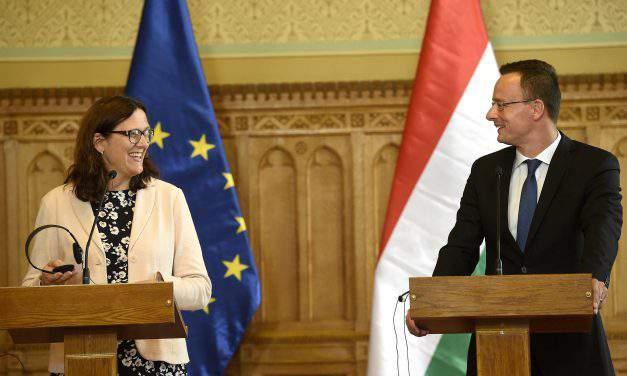 Szijjártó comments CETA, TTIP in talks with EU trade commissioner