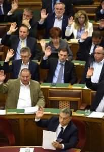 parliament-Hungary-vote-orbán-fidesz