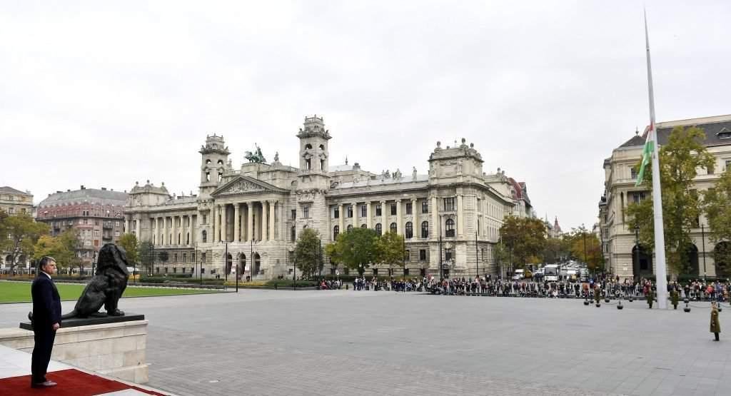 Parliament commemorates victims of 1956 fusillade