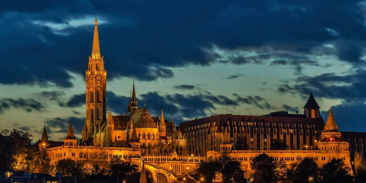 Beauty of Matthias Church praised by The Huffington Post