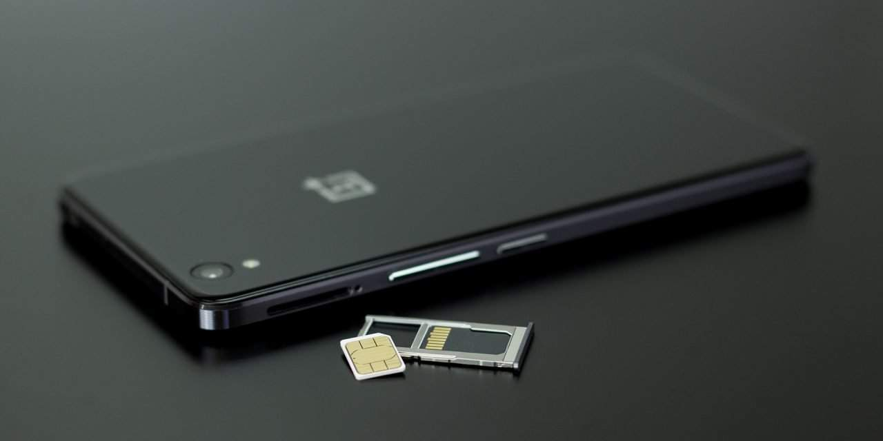 Hungarianauthority in talks with telecom companies over SIM cards – UPDATE