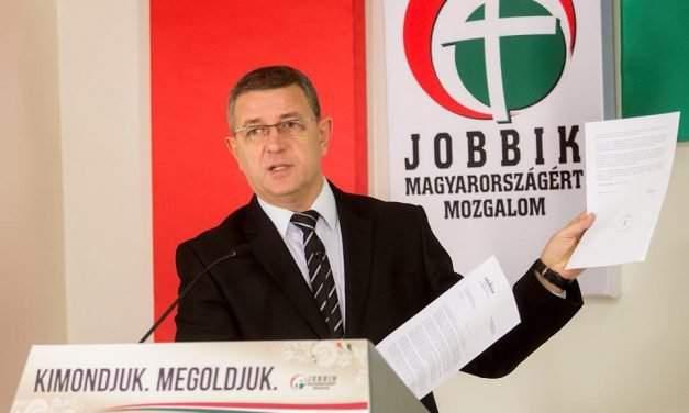 Jobbik accuses Rogán of 'lying' about residency bonds