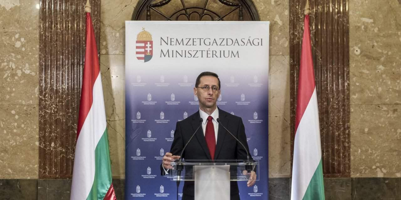 Economy minister: Moody's upgrade to open 'new chapter' in Hungary's debt-reduction efforts