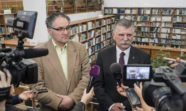 House speaker calls for autonomous decision-making by ethnic Hungarians on Transylvania education