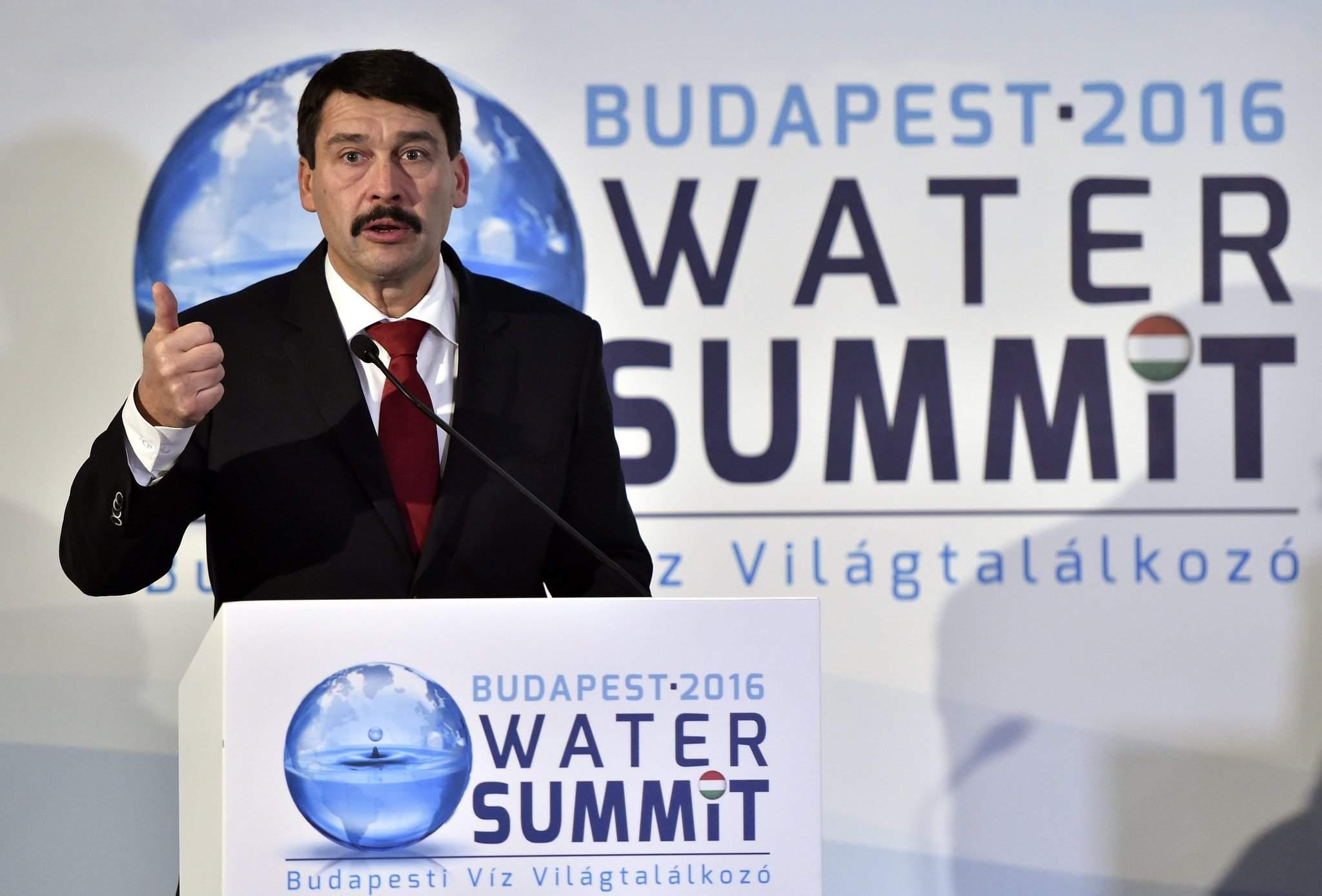 water-summit President Áder