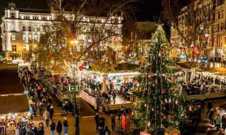 Work at a Christmas fair, earn 3500 Euros