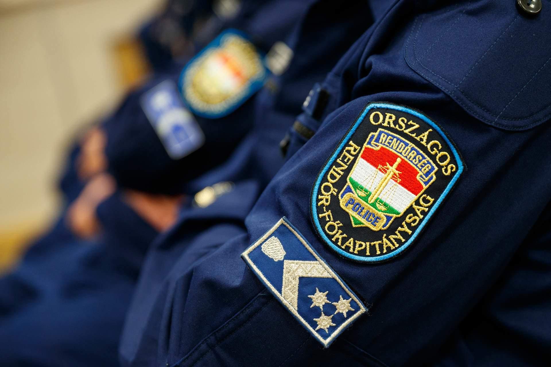 police rendőrség