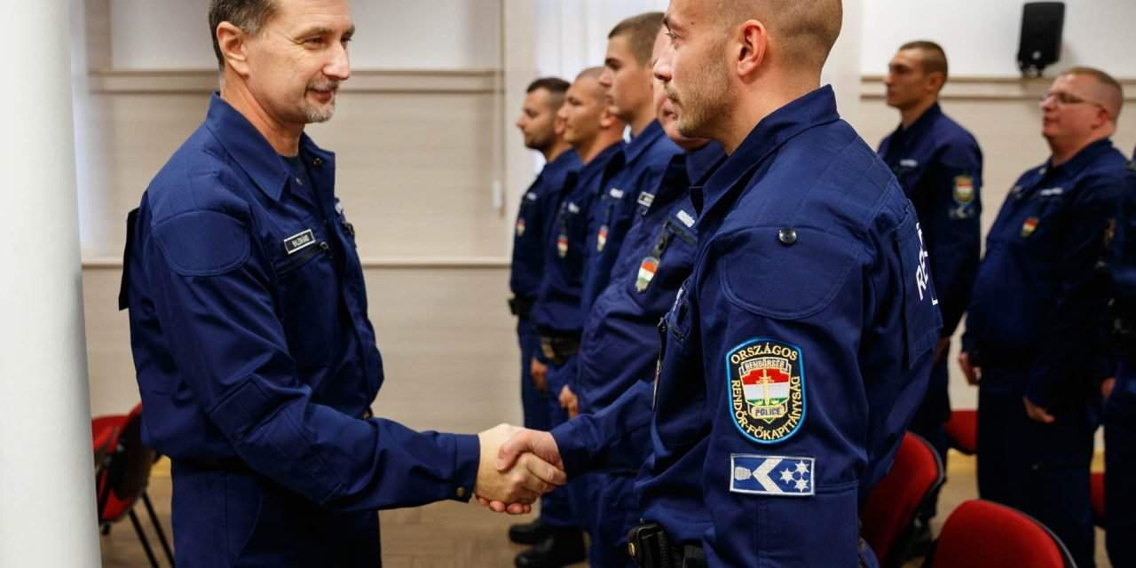 Hungarian police unit departs to help patrol Serbian-Bulgarian border