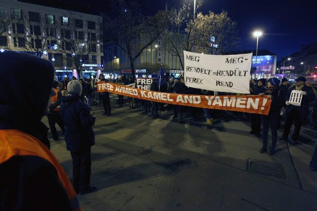 Szimpátiatüntetés a terrorcselekmény miatt elítélt szír f