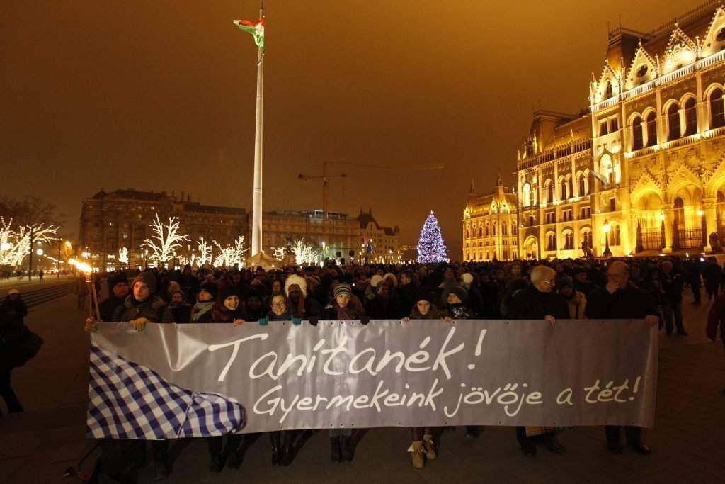 A Tanítanék Mozgalom demonstrációja Budapesten