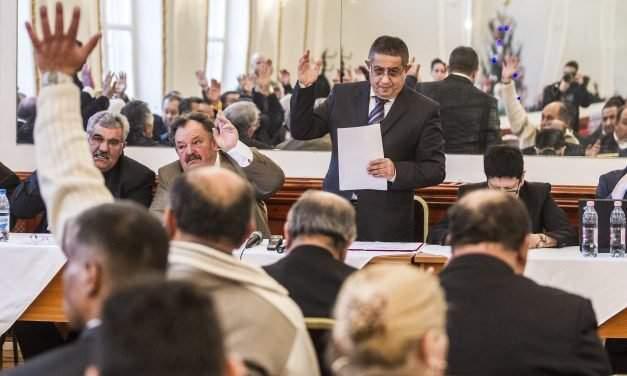 Jobbik slams year-end funding for Roma self-govt