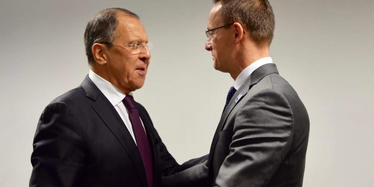 Hungarian foreign minister meets Russian counterpart in Humburg