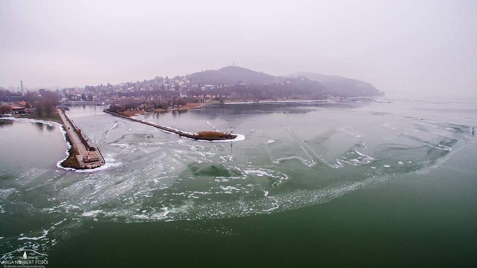 Amazing videos of the wintertime Lake Balaton