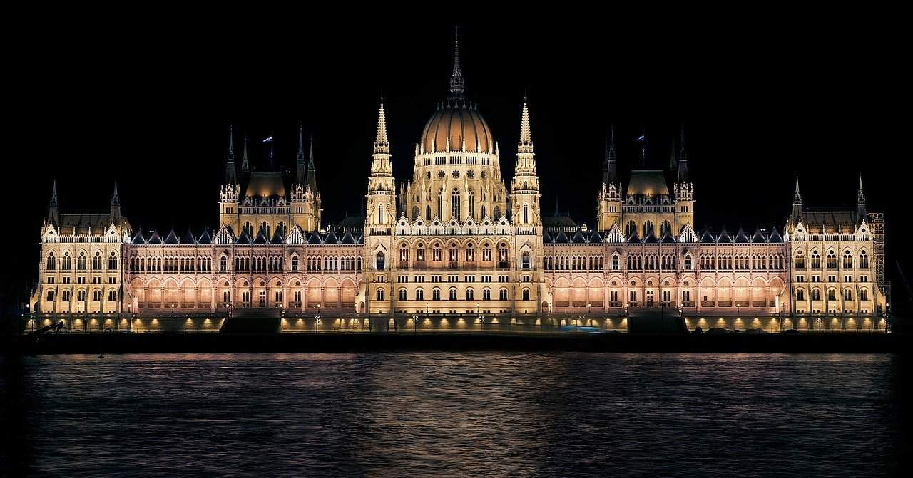 A man shouted that he would blow up the Parliament