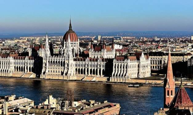 This is how the Hungarian Parliament was built – VIDEO