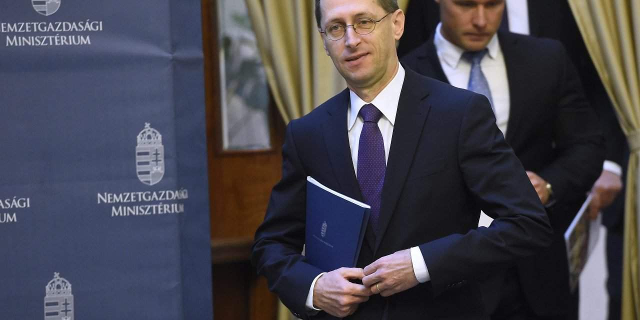 Economy minister: Hungary accession to AIIB on the agenda