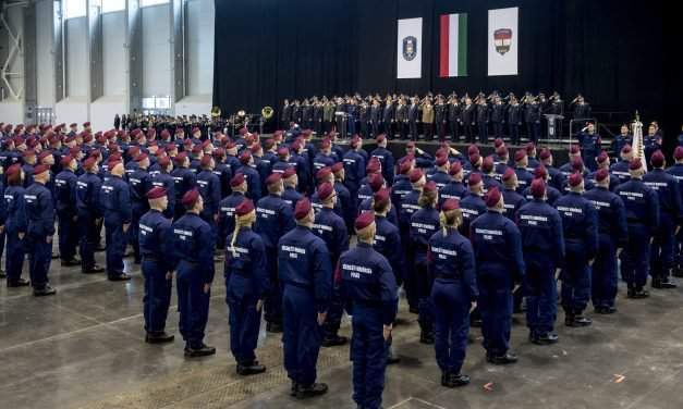 Oath ceremony of the first officers of a new border protection force in Hungary