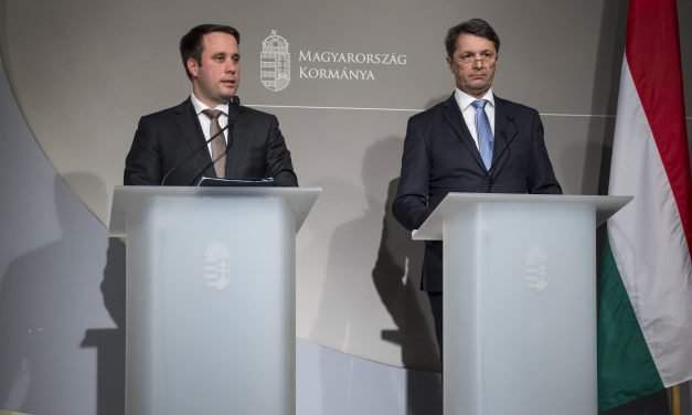Hungary's government to insist on tax reductions