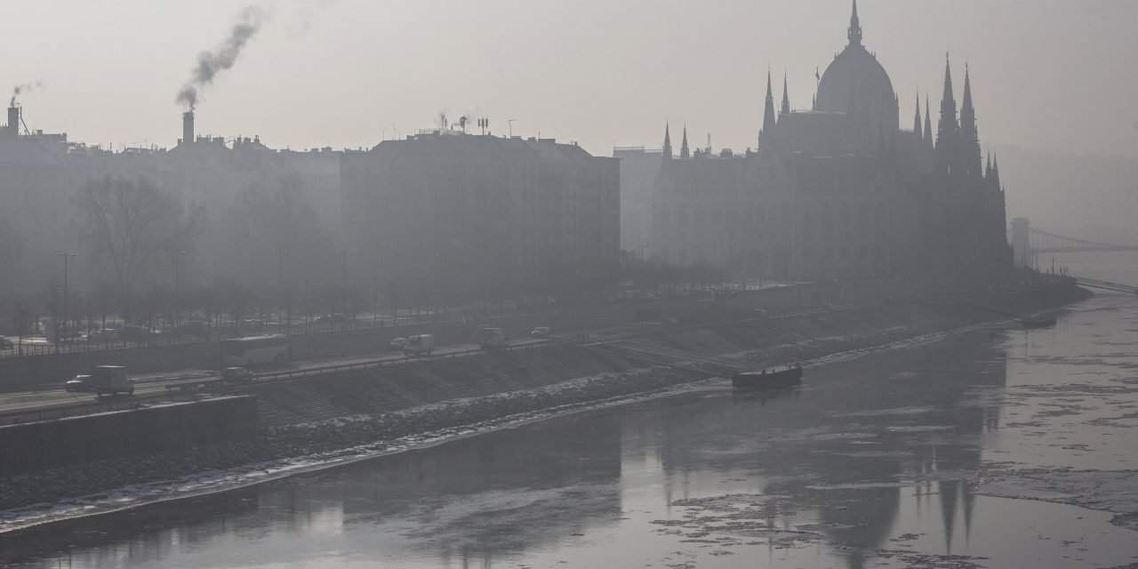 Smog alerts in place across Hungary