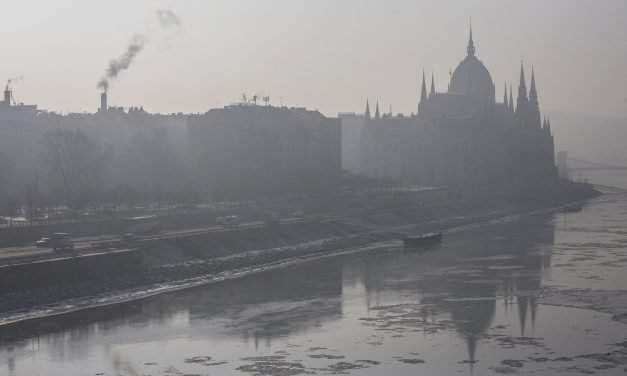 Smog alerts in Budapest – Opposition parties call for free public transport during smog alerts