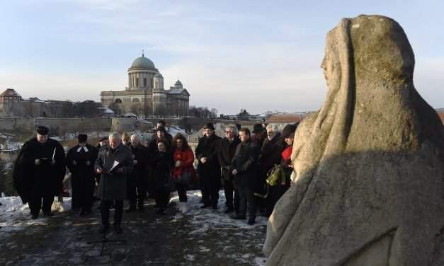 Hungarian government: Europe should learn from martyred saint Becket