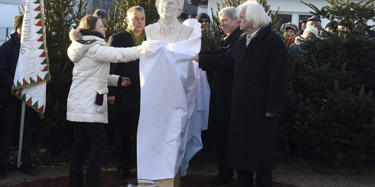 Orbán attends unveiling of monument to poet Gáspár Nagy